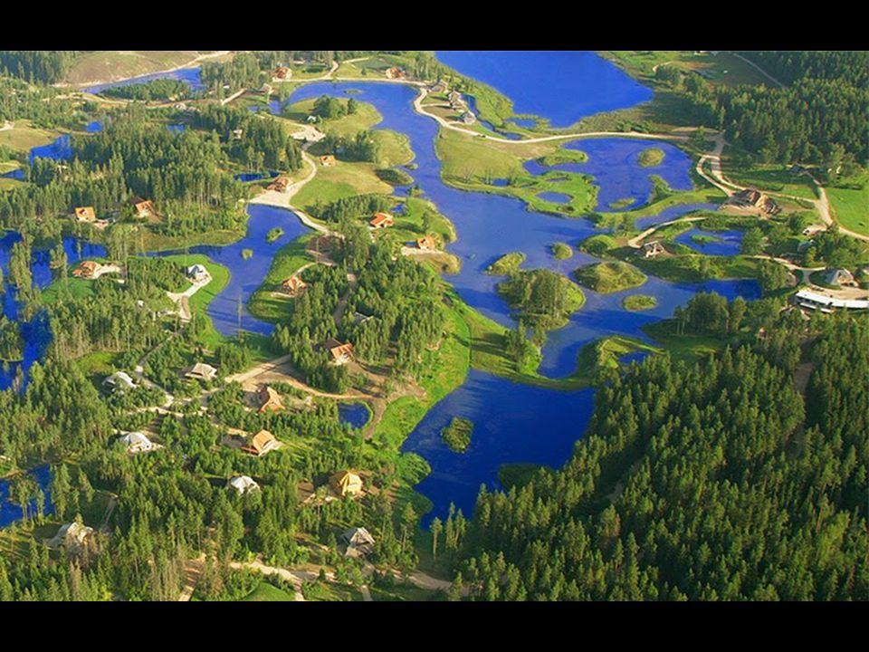 Amatciems tem reservas naturais de água doce - represas, lagos e riachos. Todos os depósitos estão interconectados para alimentar uns aos outros pelos