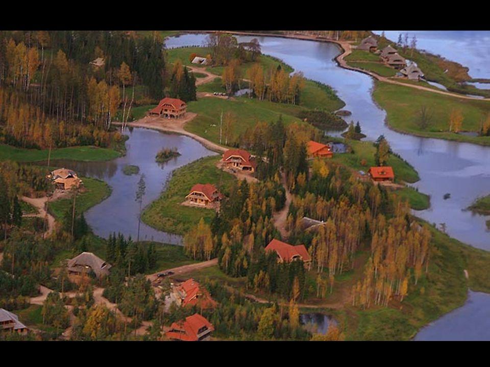 Devem ser cumpridos dois critérios principais - uma casa nova não deve ocultar as belas paisagens naturais e permitir aos proprietários de cada parcel