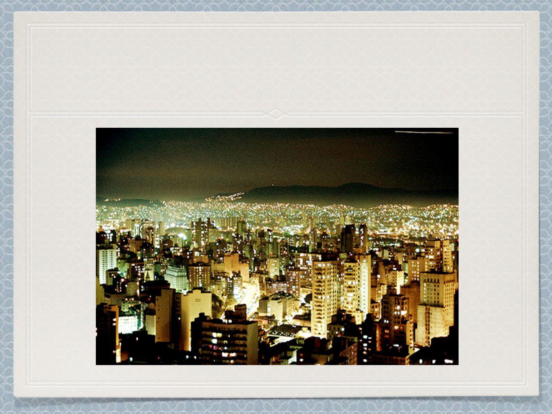 Artes e Arquitetura São Paulo é conhecida por suas belas catedrais.