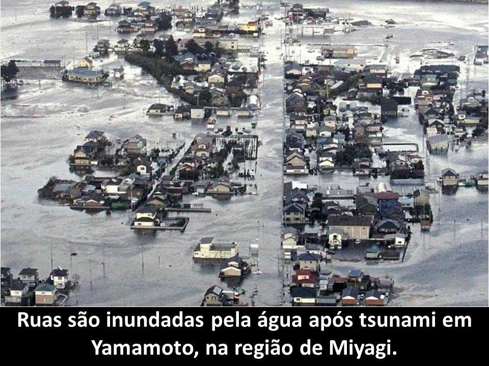 Depois do Tsunami Refinaria pega fogo em Ichihara. Porque com fogo e com a sua espada entrará o SENHOR em juízo com toda a carne. (Isaías 66:16)