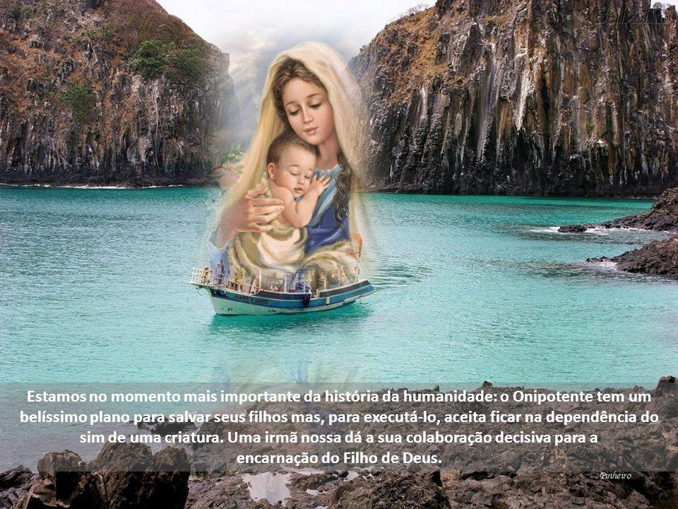 Estamos aqui diante do ponto de vista de Deus, isto é, como Ele vê a Virgem Maria. Gabriel a saúda com uma expressão messiânica: Ave, isto é Alegra-te