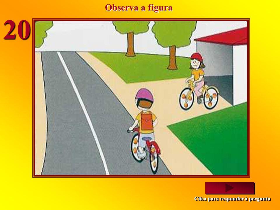 A Andreia comporta-se correctamente? Não, porque devia circular no lado direito da faixa de rodagem. Sim, porque leva a bicicleta à mão. Não, porque d