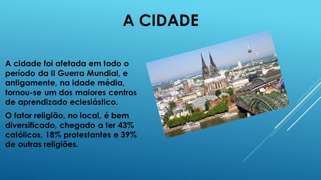 A CIDADE A cidade foi afetada em todo o período da II Guerra Mundial, e antigamente, na idade média, tornou-se um dos maiores centros de aprendizado e