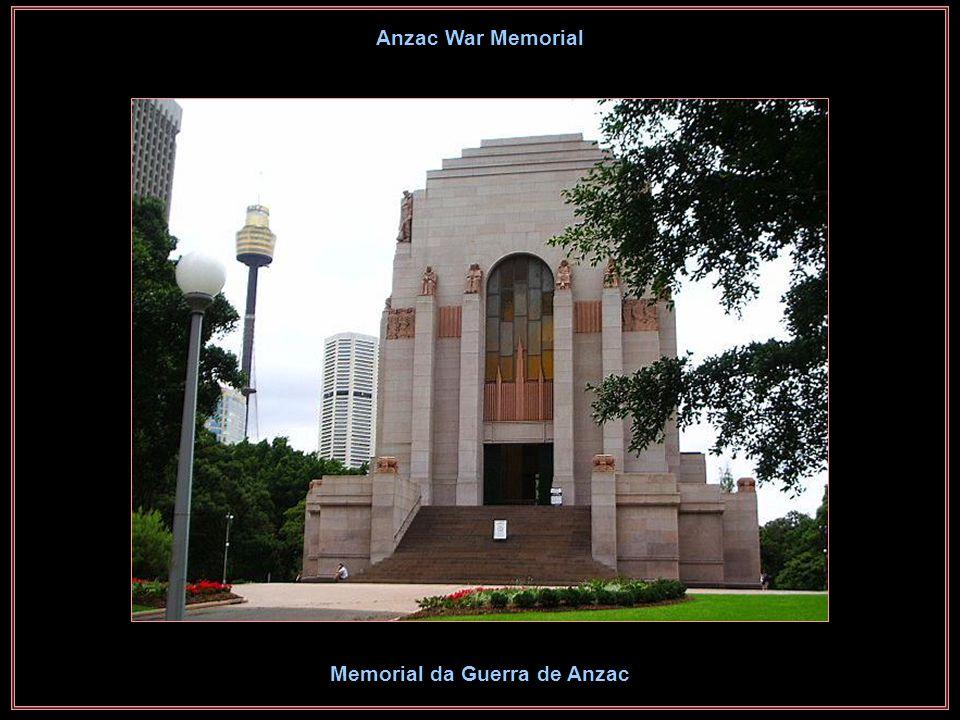 Pioneers Monument Monumento aos Pioneiros