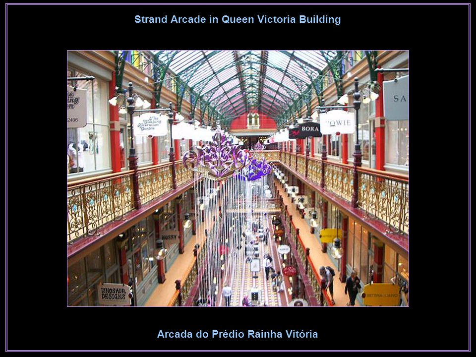Stained Glass Windows in Queen Victoria Building Vitrais no Prédio Rainha Vitória