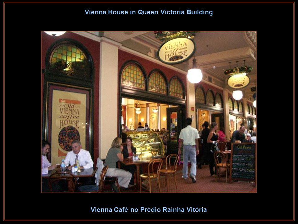 2nd Clock in Queen Victoria Building Segundo Relógio no Prédio Rainha Vitória