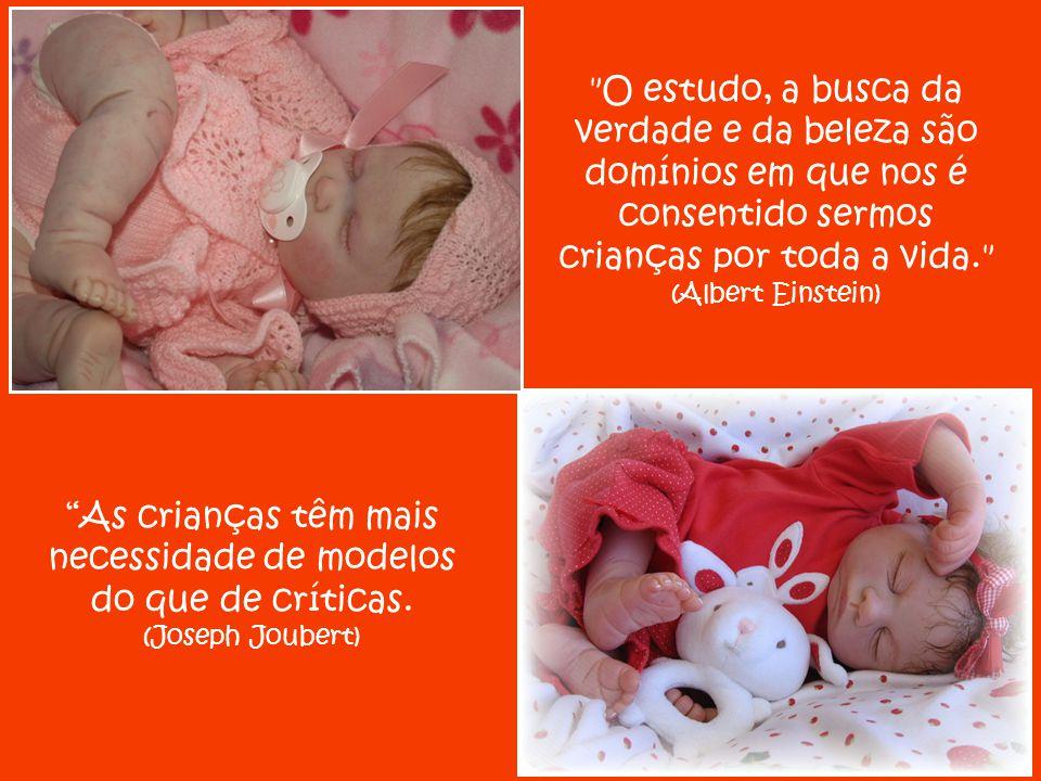 """""""O mistério da encarnação repete-se em cada mãe: toda criança que nasce é Deus que se faz homem."""" (Simone de Beauvoir)"""