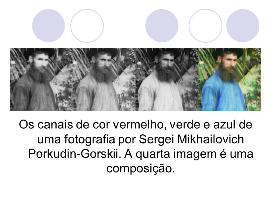Os canais de cor vermelho, verde e azul de uma fotografia por Sergei Mikhailovich Porkudin-Gorskii. A quarta imagem é uma composição.