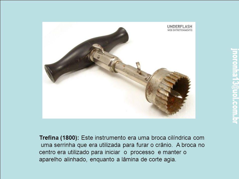 Lithotome (1740) Este lithotome era usado para cortar a bexiga, a fim de remover pedras. O eixo continha uma lâmina escondida que era inserida na bexi