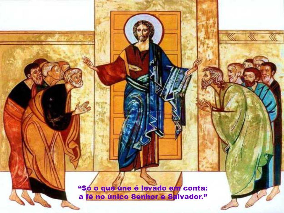 """Caríssimos, A liturgia deste 2º domingo do Advento faz-nos um convite: acolhei-vos mutuamente. """"Deus vem, portador de salvação para todos. A mensagem"""