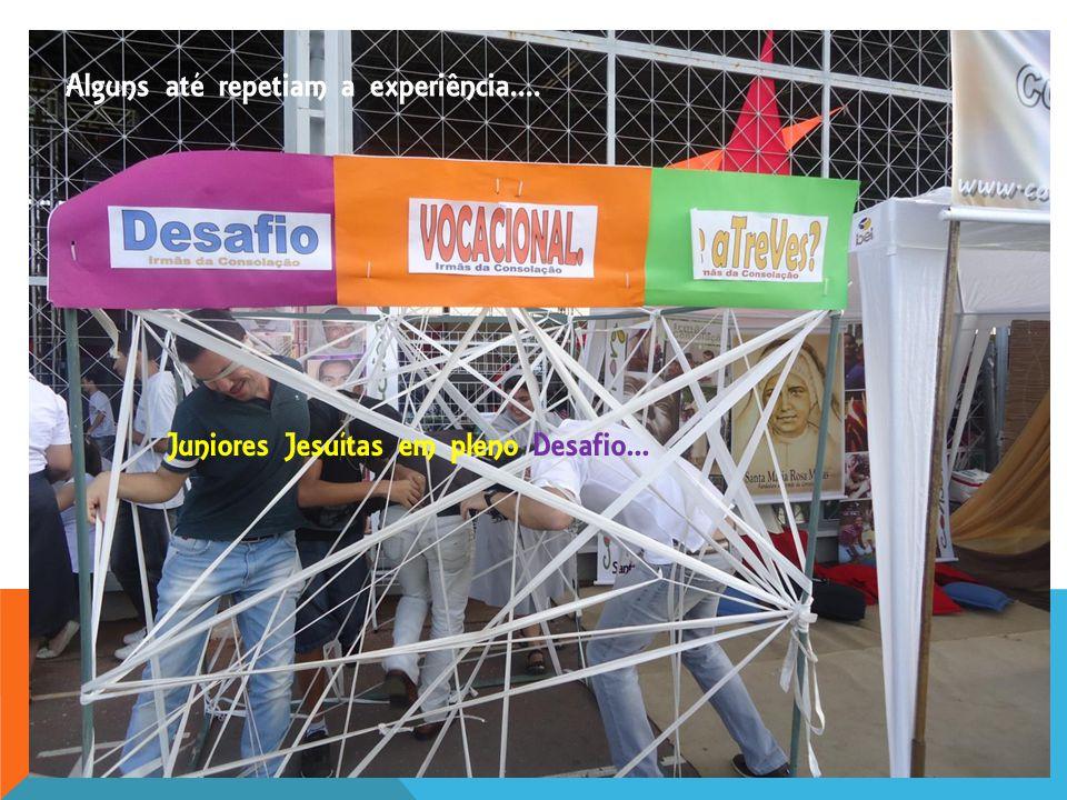 Não somente os Jovens, mas também os religiosos que estiveram presentes na Jornada se animaram a passar por nossa Tenda e fazer a experiência do ¨Desafio Vocacional¨.
