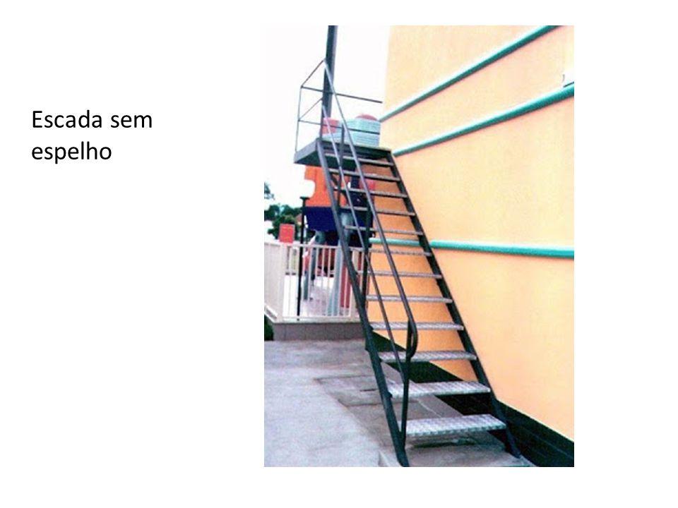 Escada sem espelho