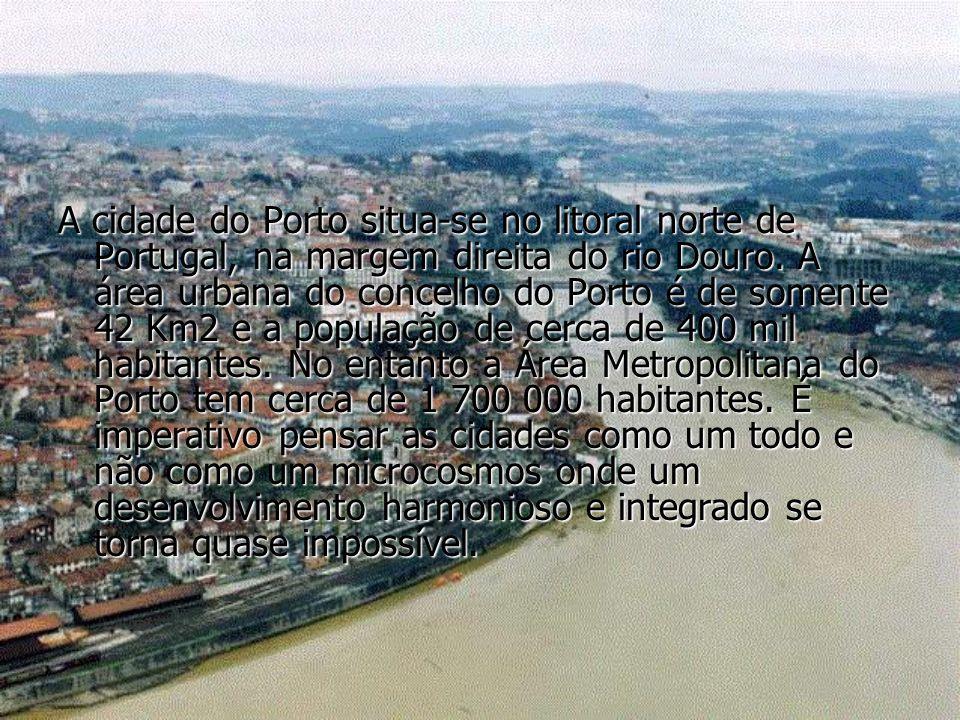 A cidade do Porto situa-se no litoral norte de Portugal, na margem direita do rio Douro. A área urbana do concelho do Porto é de somente 42 Km2 e a po