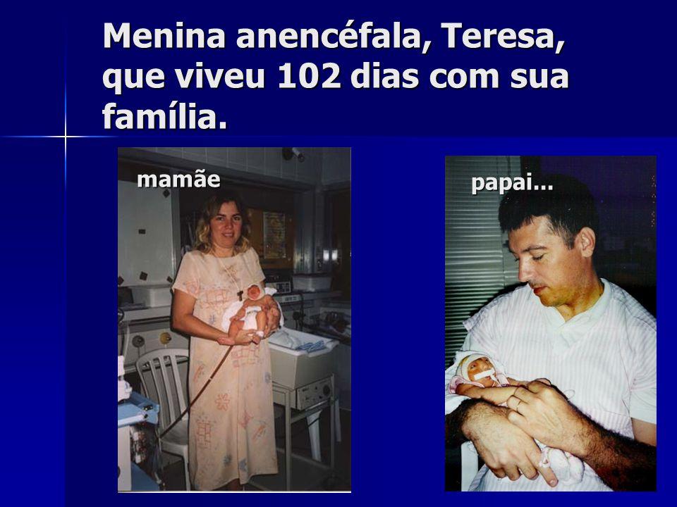 Grávida e puérpera de feto com anencefalia