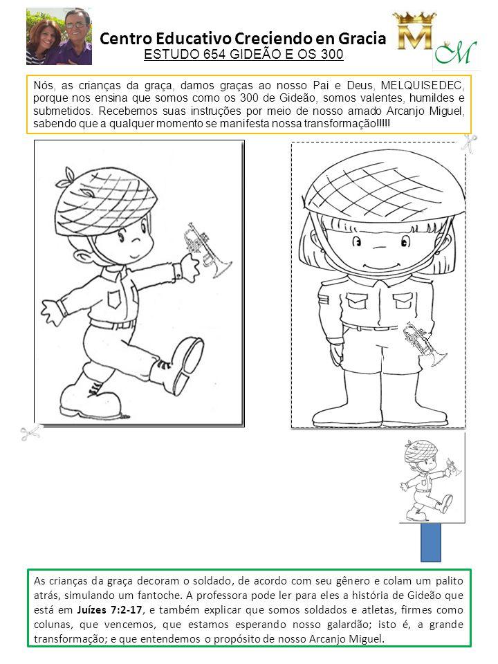 As crianças da graça decoram o soldado, de acordo com seu gênero e colam um palito atrás, simulando um fantoche. A professora pode ler para eles a his