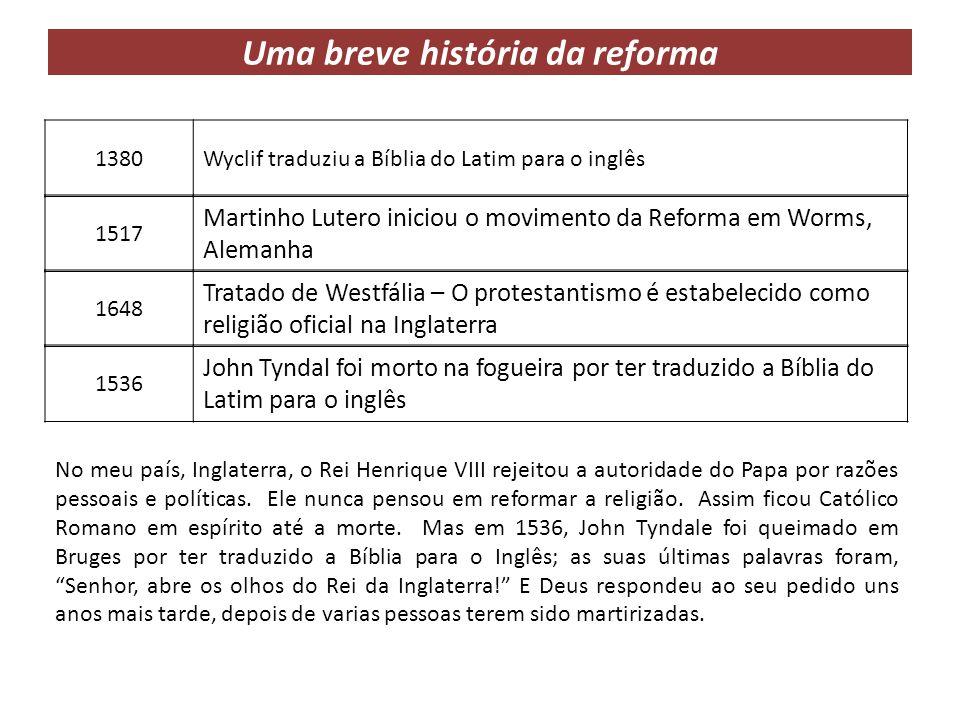 Diferenças entre o catolicismo e o protestantismo Protestantes A Bíblia é o guia do protestante.