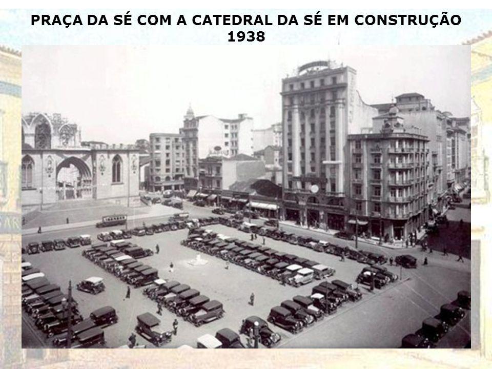 BONDE CAMARÃO LOTADO NA PRAÇA DA SÉ - 1937