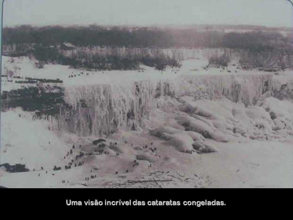 No inverno de 1911 o congelamento foi total. Era possível até esquiar.