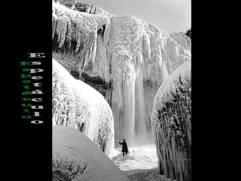 Uma visão incrível das cataratas congeladas.
