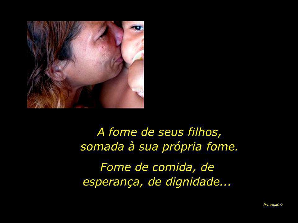 Marta, jovem mãe, moradora da Vila dos Costas, distrito de Natura, Paraíba, recebe a equipe do jornal na desolação de seu lar. Avançar>>