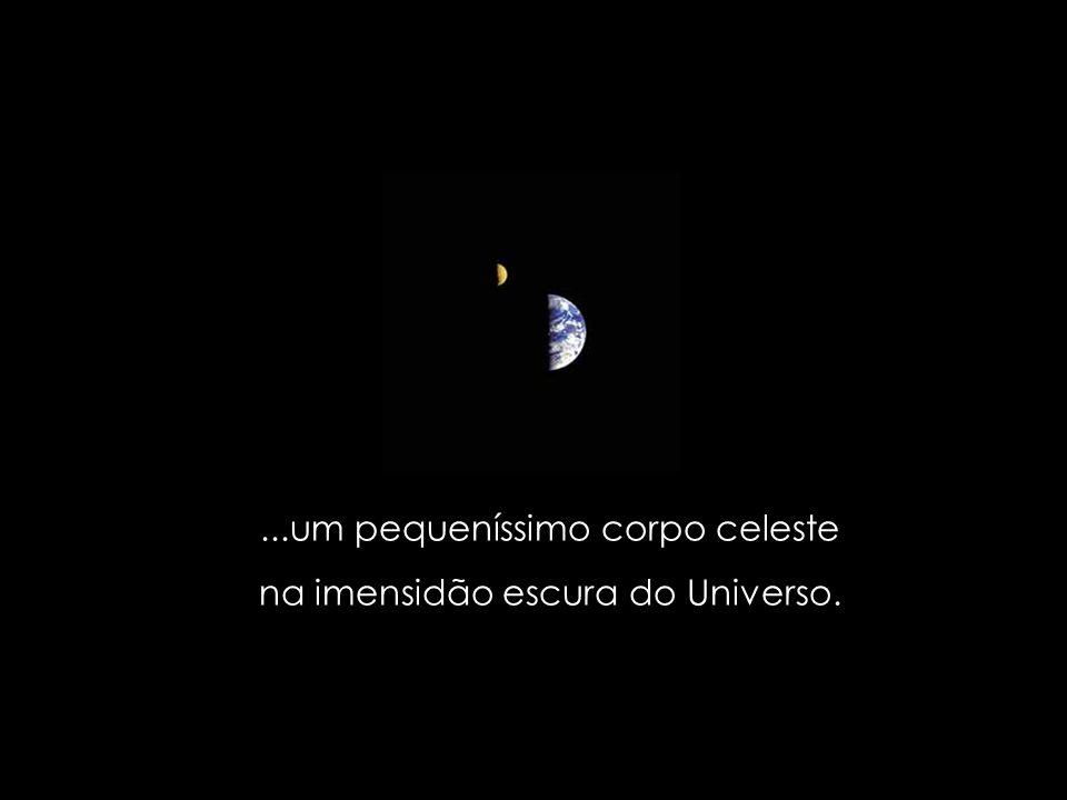 ...Marte, Mercúrio, Vênus e outros planetas. Dentre estes, um planeta esplendoroso, azul e branco...