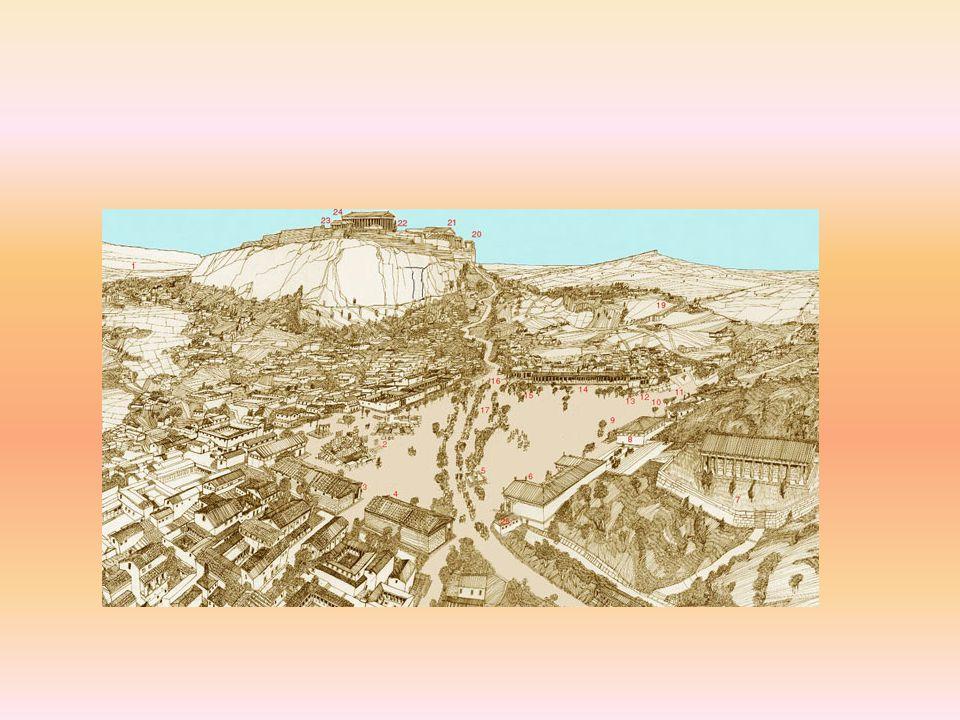 Eram as seguintes as classes sociais em Atenas: eupátridas: grandes proprietários de terra, que tinham acesso à cidadania e ocupavam os principais cargos políticos e administrativos; eram aqueles considerados bem nascidos (eu = Bom, pátrida = parido), ou seja, filhos da elite.