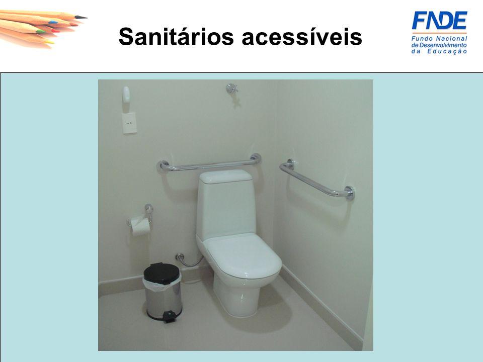 Sanitários acessíveis