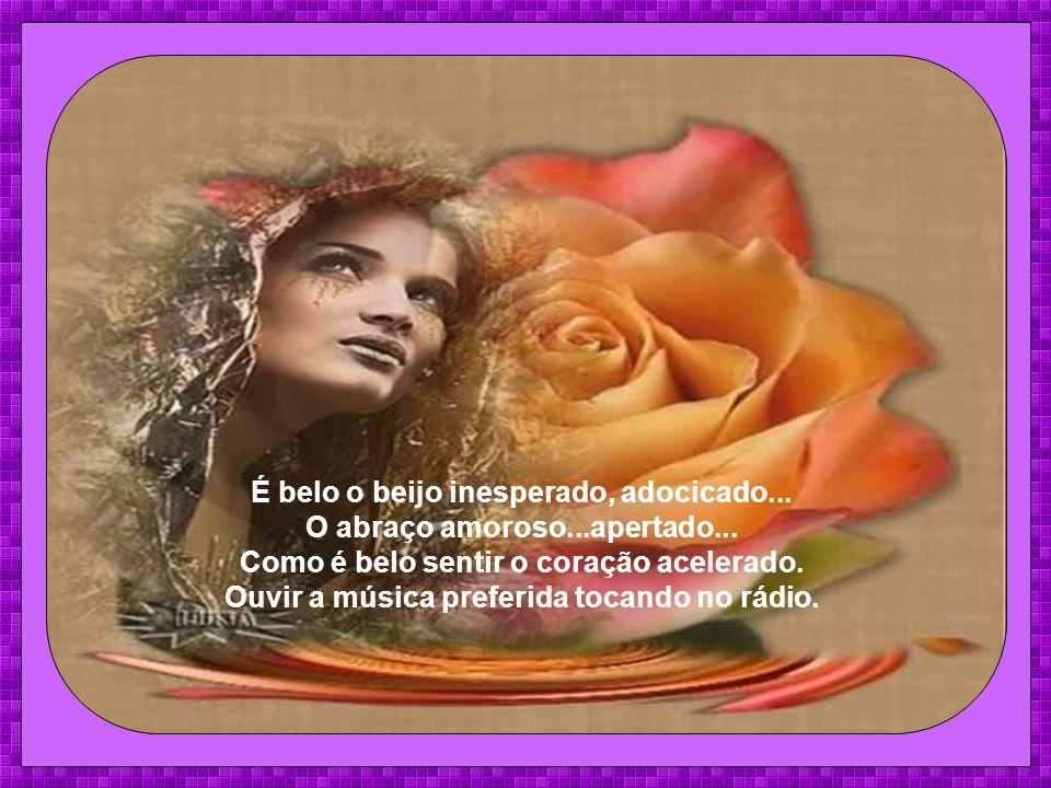 É bela a voz que chega como vento, O amor que ameniza qualquer tormento.