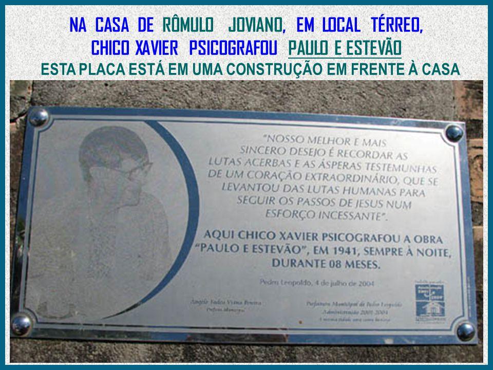 DR.EURÍPEDES HIGINO DOS REIS - FILHO ADOTIVO DO CHICO - ENTREGA UMA HOMENAGEM A SRA.
