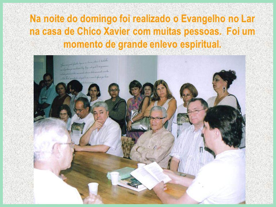 No encerramento, foram exibidas ainda, durante 16 minutos, imagens de Chico Xavier em videodocumentário cedido por Oceano Vieira de Melo, da DVD Versátil Home Video.