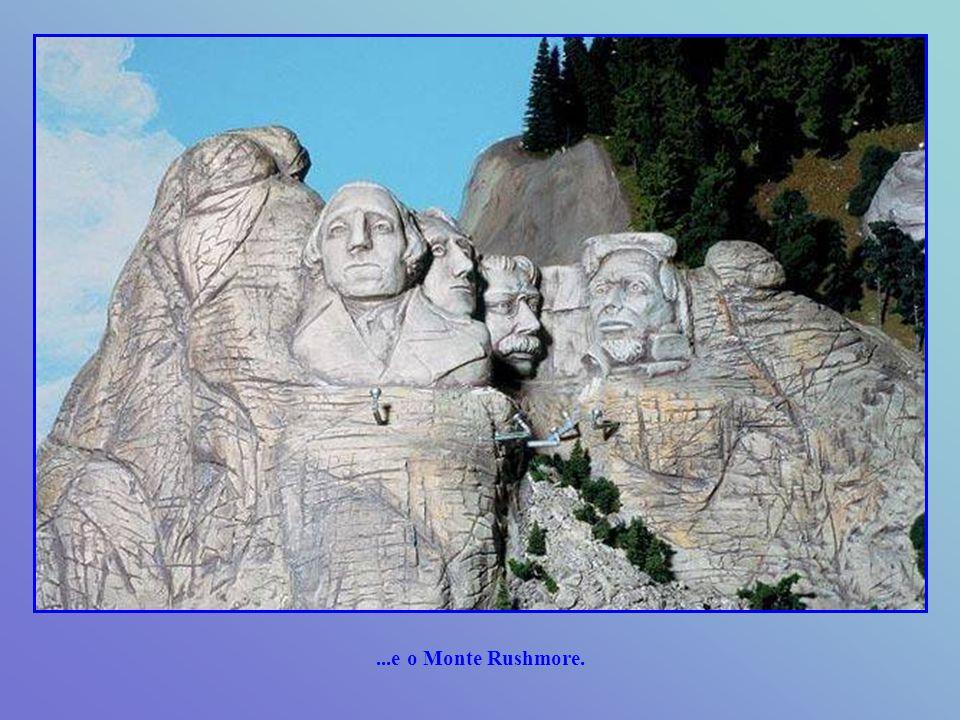 A seção da América inclui modelos das Montanhas Rochosas, Everglades, e Grand Canyon de Colorado...