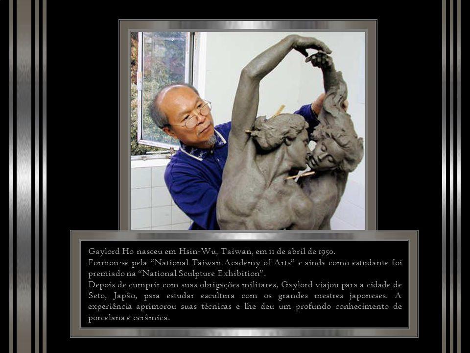 Gaylord Ho nasceu em Hsin-Wu, Taiwan, em 11 de abril de 1950.