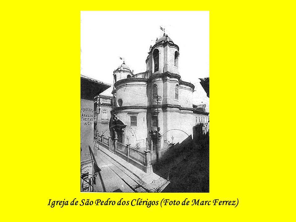 Igreja de São Pedro dos Clérigos, demolida para a abertura da Av. Presidente Vargas.