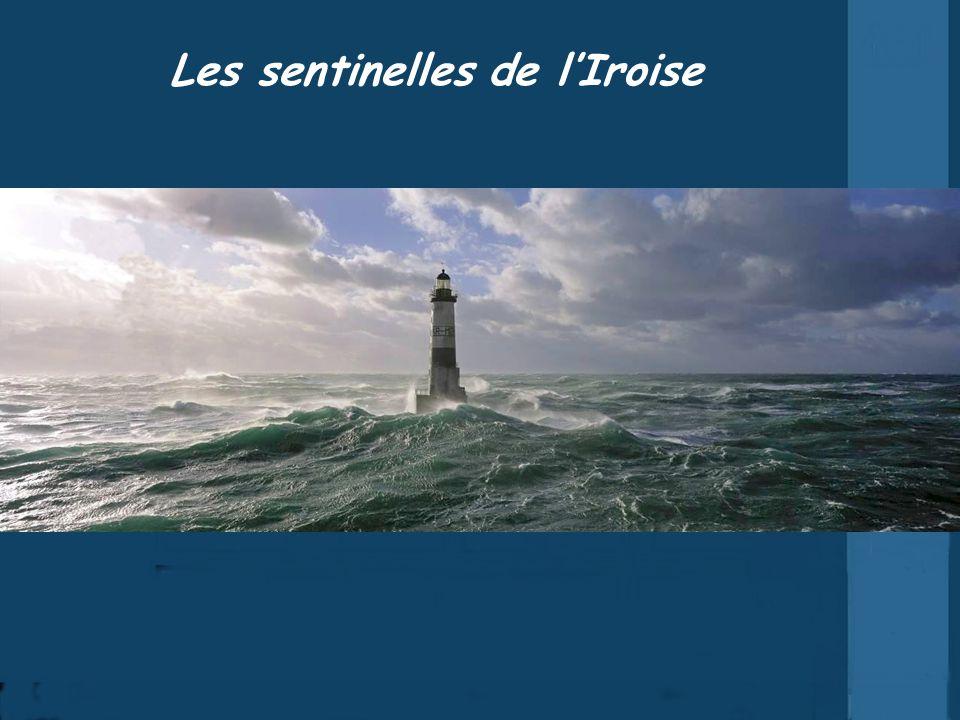 O mais difícil de entender é como os franceses conseguiram construir tais faróis, em meio à fúria das ondas.