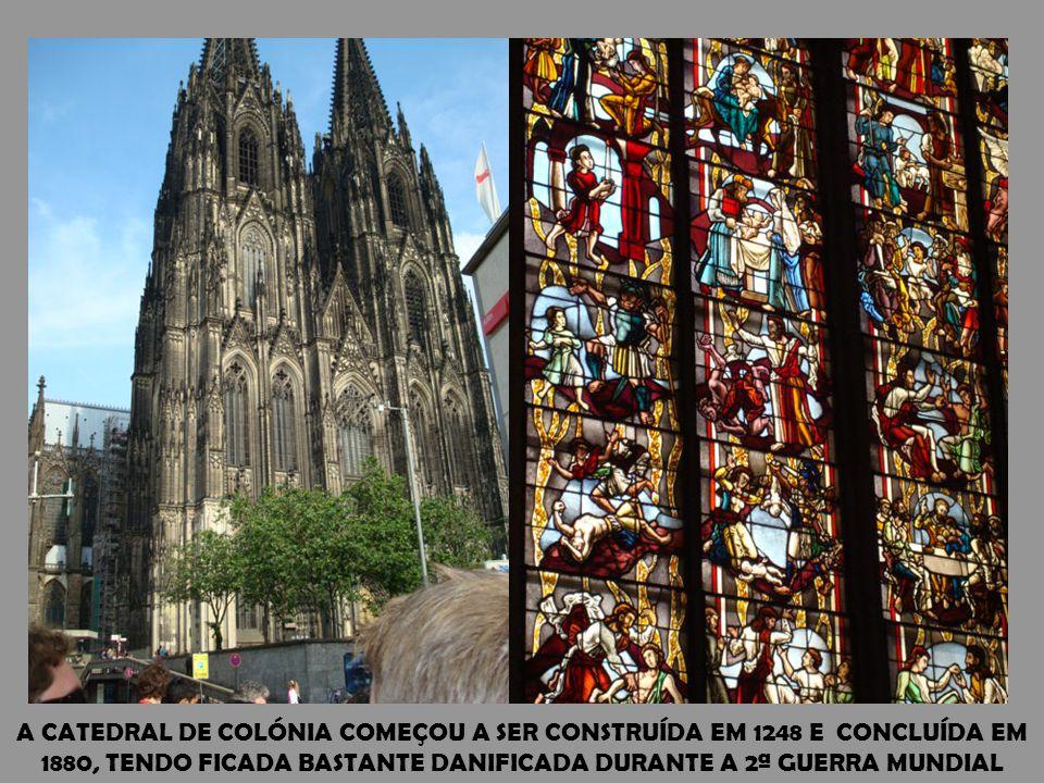 COLÓNIA POSSUI A SEGUNDA MAIOR CATEDRAL DO CRISTIANISMO. A CIDADE SITUA-SE JUNTO AO RIO RENO E É A QUARTA DO PAÍS EM POPULAÇÃO