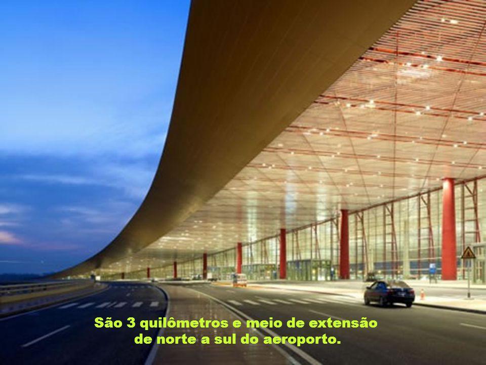 São 3 quilômetros e meio de extensão de norte a sul do aeroporto.