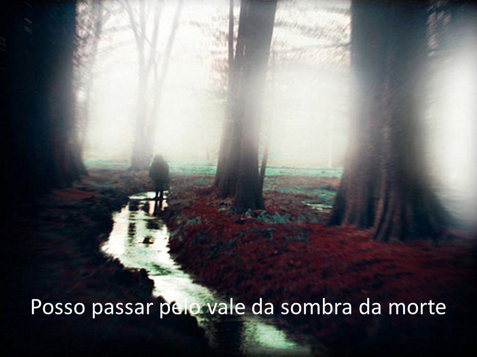 E quem apartará o Teu espírito de mim Se Tu me amas assim, é impossível...