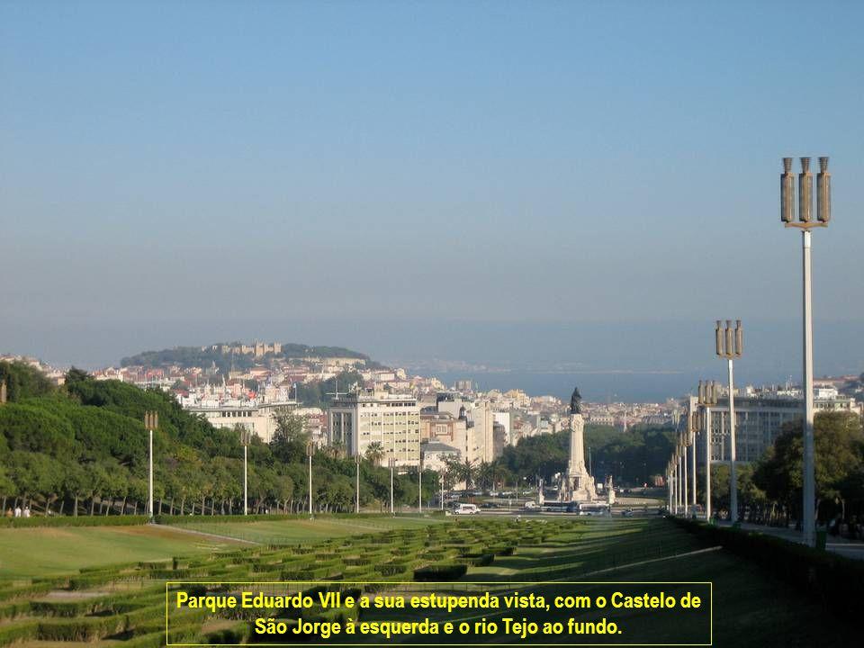 www.vitanoblepowerpoints.net Parque Eduardo VII e a sua estupenda vista, com o Castelo de São Jorge à esquerda e o rio Tejo ao fundo.