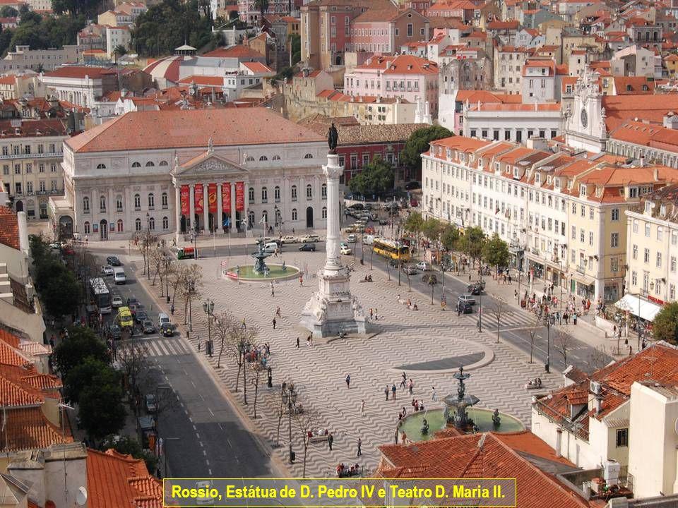 www.vitanoblepowerpoints.net Rossio, Estátua de D. Pedro IV e Teatro D. Maria II.