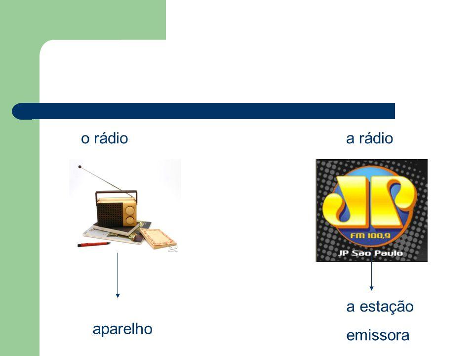o rádio aparelho a rádio a estação emissora