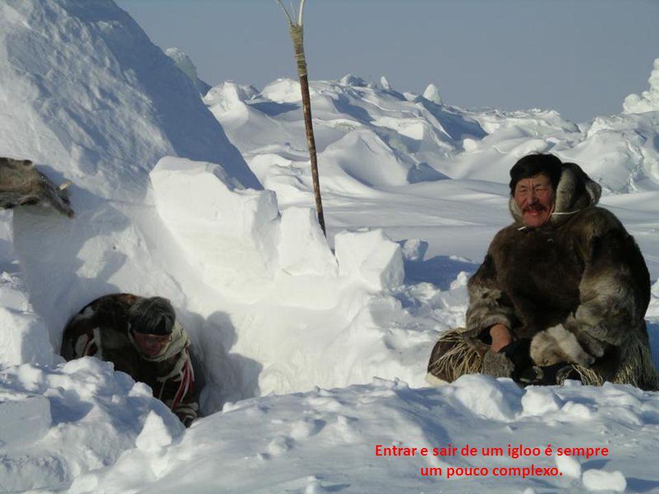 Uma moderna aldeia Inuit no norte de Quebec