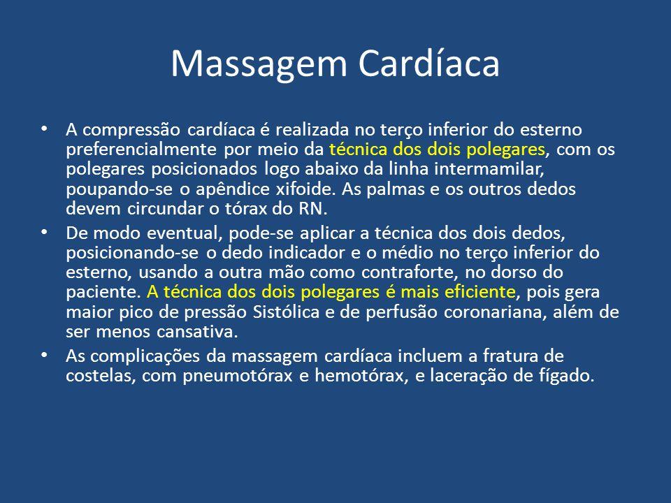 Massagem Cardíaca A compressão cardíaca é realizada no terço inferior do esterno preferencialmente por meio da técnica dos dois polegares, com os pole