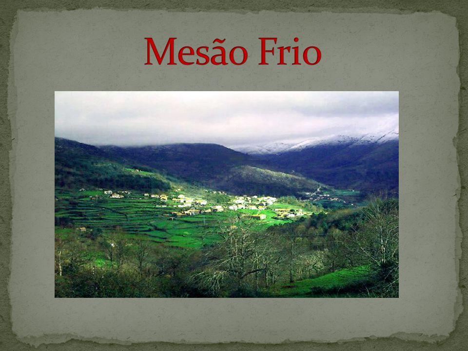 Peso da Régua, também conhecida apenas por Régua , é uma cidade do Norte de Portugal, sede de concelho, situada em Trás-os-Montes, junto ao Rio Douro, conhecida por ser a capital da região demarcada que produz o célebre vinho do Porto.