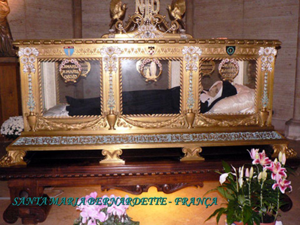 SANTA MARIA CRUCIFICADA PAOLA DE LA ROSA; M - 1855 SANTA MARGARIDA DE CORTONA; Morreu 1297 SÃO JOSÉ M. DE JESUS YEROBI; M - I867; CORPO FLEXÍVEL, SENT