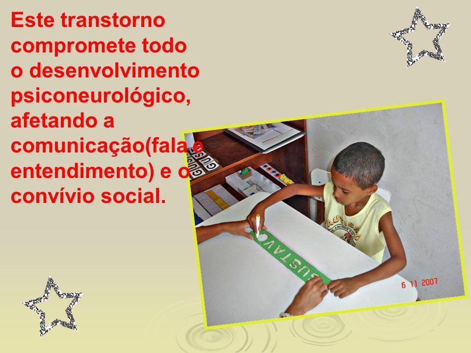 É uma condição que prossegue até a adolescência e a vida adulta, embora todas as crianças com autismo continuem a fazer progresso no desenvolvimento.