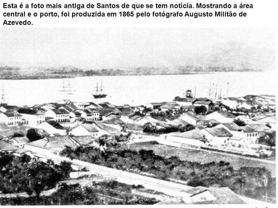 As imagens de diferentes momentos do século XX mostram a ilhota existente defronte à praia do José Menino.ilhotaJosé Menino