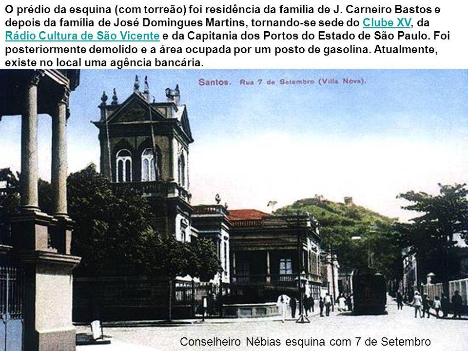 Todo o complexo antigo da Santa Casa, e o túnel Rubens Ferreira Martins ainda em obras, no início da década de 1950, em foto de José Herrera, tendo em