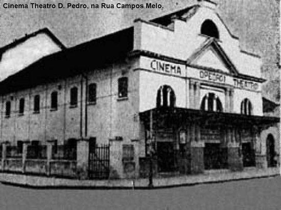 Na Avenida Ana Costa, o Cine Roxy, que em 1934 revolucionou o mercado de projeções cinematográficas em Santos. Avenida Ana Costa