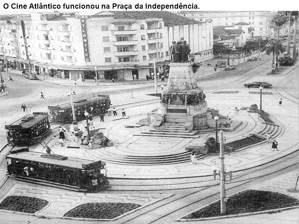 Cine Brasília, na Av. Pedro Lessa, bairro do Macuco, em 11/1977.