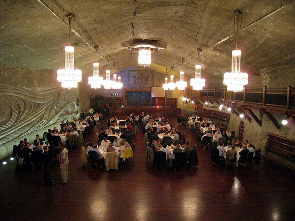 Muitos visitantes têm em mente o sal que usam nas refeições e imaginam que outras partes da mina será parecido com o cristal dos lustres… Mas o sal de
